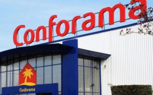 un magasin Conforama